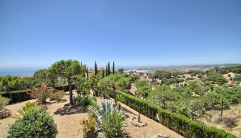 Villa-hus-til-salg-marbella-estepona-new-golden-mile-for-sale-property