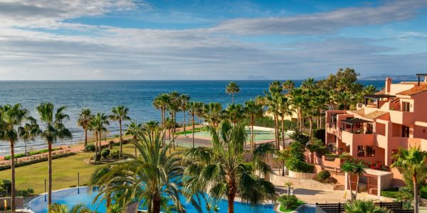 beach-front-apartments-for-sale-til-salgs-leilighet-marbella-new-golden-mile