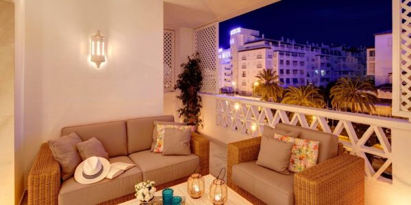Terrace-Puerto-Banus-Luxury-apartments-Marbella-Costa-Del-Sol