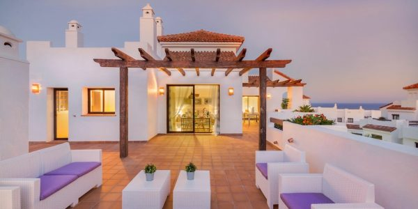 Apartments-penthouses-houses-for-sale-alcaidesa-costa-del-so
