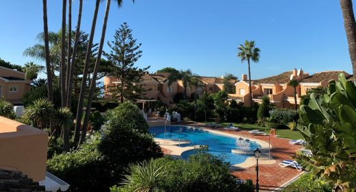 townhouse-for-sale-beachside-luxury-benamara-estepona-costa-del-sol-rekkehus-til-salgs