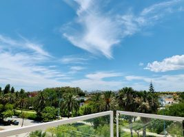marbella-san-pedro-de-alcantara-costa-del-sol-for-sale-solkysten-til-salgs-views-penthouse-san-pedro-marbella-luxury-beach-views-rooftop