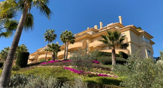 for-sale-marbella-elviria-sea-panoramic-views-golf-apartment-costa-del-sol-clubhouse-til-salg-solkyten-holidays-spacious