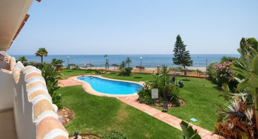 for-sale-en-venta-apartment-apartamento-piso-marbella-calahonda-costa-del-sol-beach-side-primera-linea-de-playa-sea-view-views-vista-mar-til-salg-golf-reformado-refurbished
