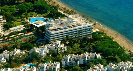 luxury-apartment-marbella-front-line-beach-for-sale-costa-del-sol-sea-views-paseo-maritimo-middle-floor