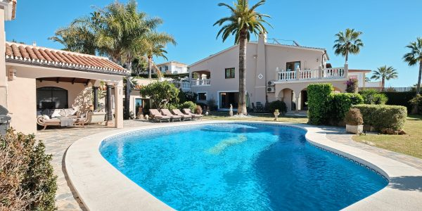 costa-del-sol-for-sale-elviria-marbella-sea-view-villa-amazing-resale-golf