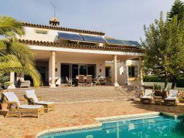 villa-for-sale-en-venta-costa-del-sol-benahavis-golf-sea-views-marbella-garden
