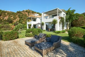 for-sale-costa-del-sol-benahavis-marbella-villa-modern-luxury-views-nature