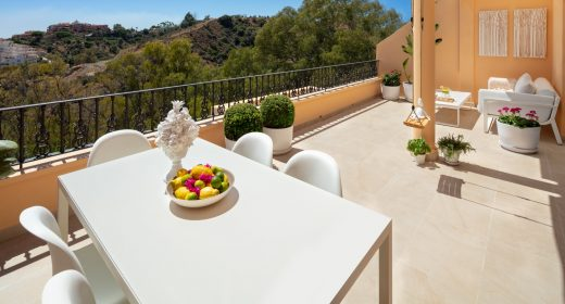 vista-real-apartment-for-sale-nueva-andalucia-penthouse-marbella-luxury-property-solkysten-leilighet-til-salgs