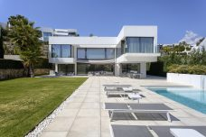 villa-for-sale-costa-del-sol-benahavis-marbella-luxury-modern-golf-mountain-views