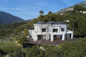 villa-for-sale-costa-del-sol-resale-unique-luxury-marbella-istan-lake-views-panoramic-modern-beautiful
