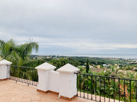 villa-for-sale-costa-del-sol-first-line-golf-sea-views-benahavis-luxury